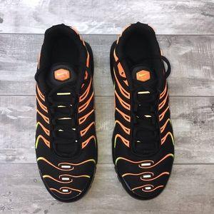 Nike Shoes - Nike Air Max Plus TN (GS) Black/Volt-Total Orange
